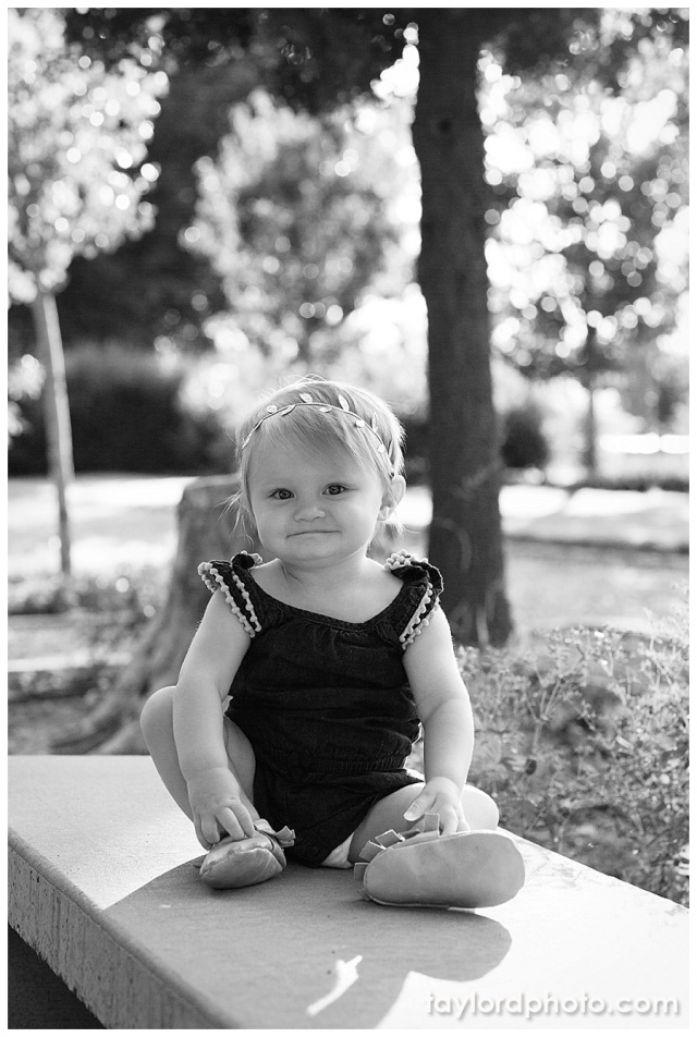 Cake Smash session from Taylor'd Photography | www.taylordphoto.com