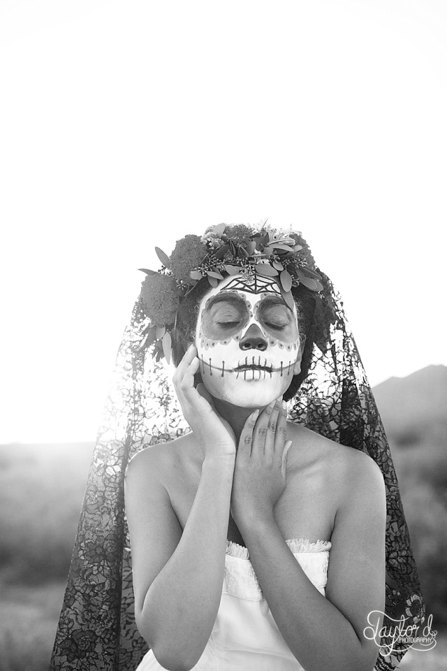 Dia de los Muertos styled shoot from Taylor'd Photography | www.taylordphoto.com